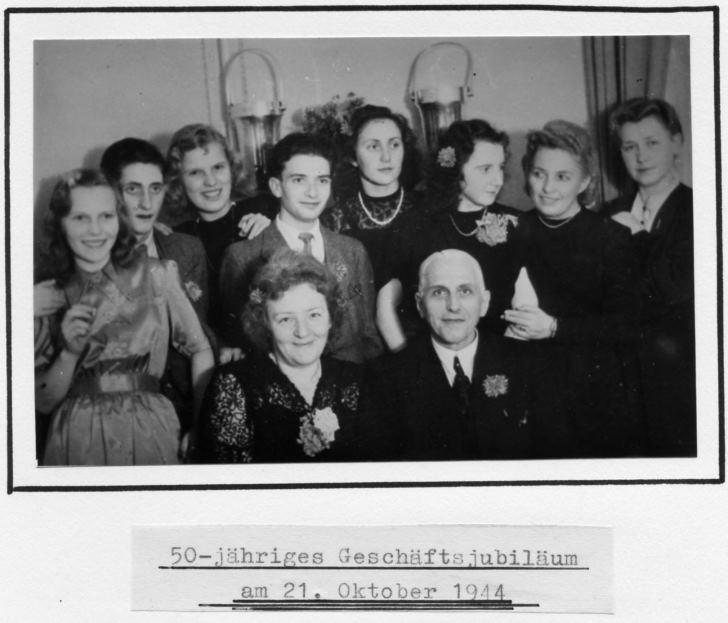 Brillen Krille`s 50-jähriges Jubiläum in Rostock